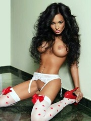 Kinky haired babe with big juicy breast..