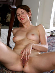 Mature porn pictures of Redheaded..