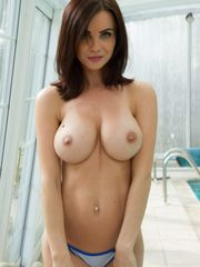 Solo chick Emma Glover reveals her nice..