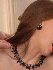 65 Yr  Women Who Deep-throat 273..