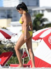 Padma Lakshmi Fappening Sexy Bikini..