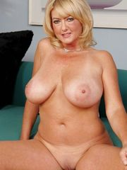 Nude moms Infrequent pictures from..
