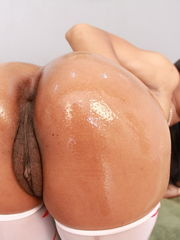 Marie Luv devours massive ebony shaft..