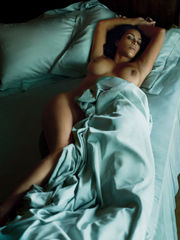 Kim Kardashian Bare Picture Shoot For..