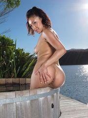 Nude 16 InTheCrack 1083 Vicki Pursue..