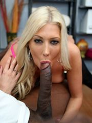 Curvaceous ash-blonde Cougar gets her..