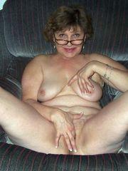 Cheery mature wifey gargling neighbor's..