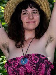 Congenital Hairy Women (@naturalhairy)..