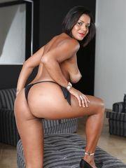 Mature Latina dark-haired Ana Luz..