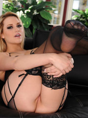 Tall babe Mia in gorgeous lingerie at..