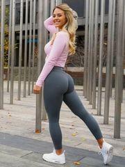 36  Dolls Wearing Yoga Trousers That..