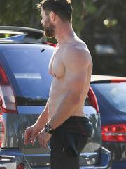 Chris Hemsworth Masculine Actors -..