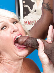 Mature with taut twat Jeannie Lou..