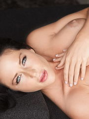 Courtney Paige in Steaming Fastens -..