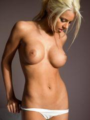 WWE DIVAS - Maryse Ouellet Nude Big..