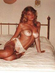 Classic wives on Polaroid ZB Porno