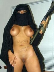 Bare Arabic girls, arabic dame with..