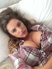 Kelly Brook bare pics The Fappening..