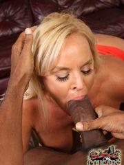 Blondie divorcee Alexis Golden pays her..