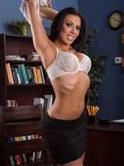 Handsome Rachel Starr pretty gal t..