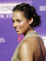 Free Celeb porn - Alicia Keys bare..