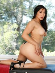 Mia Li Unclothe Mall Chinese Rubdown
