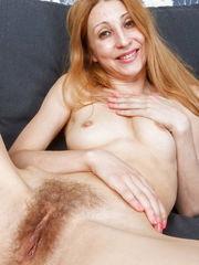 Naked Granny Blend pics xHamstercom
