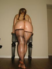 FREE thick hips and bum naked 2+..