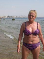 proud saggy GRANNIES in bikini 13..