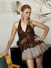 Angelina Armani - una puta alta y linda..