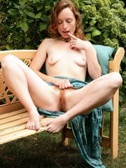 First-timer Ana Molly unclothes to..