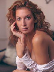 Yankee model Richelle Oslinker nude..