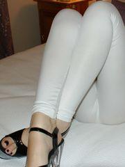 my wifey wearing raw look leggings..