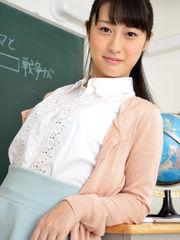 Tomomi Motozawa 本 澤 朋 美 Photo..