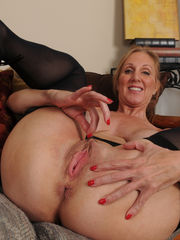 Blessed horny mature Jenna Covelli..