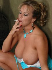 Amber Lynn Bach fanclub database: Amber..
