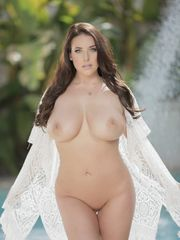 Angela White - Voluptuous - Poringa!