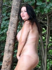 Lisa Appleton Bare In The Forest -..