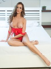 Claudia Helena Bella da Semana..