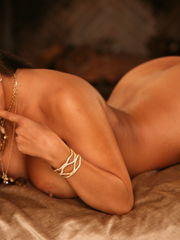 Nina Mercedez is undressing out of her..