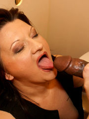 Romp HD MOBILE Photos Mature Gloryhole..