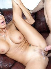 Free Milf Pic - 12 - Wonderful cougar..