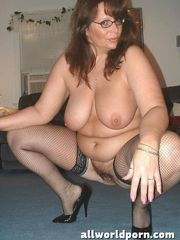 Pictures Mature Nylons Bare Picture..