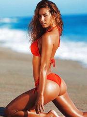 Instagram model Sierra Skyeaposs ass..