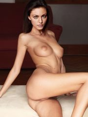 Phoebe Tonkin bare nude funbags big..