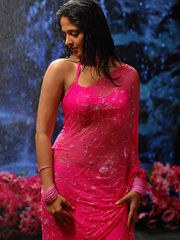 Anushka Shetty Steaming belly button..
