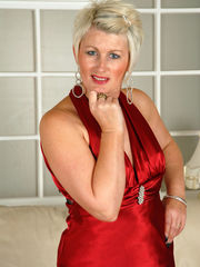 AllOver30 - Presenting 43 yr old Sally T