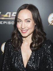 of Courtney Ford Net Worth - rock-cafe