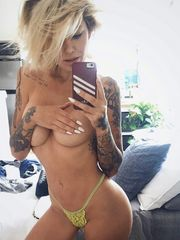 Chics With Tattoos -