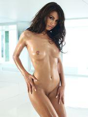 Yasmin deliz nude pics - Nude images